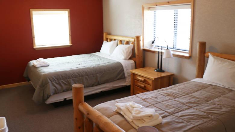 Carter Cabin 01 Bedroom